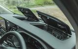 12 Ford Tourneo 2021 LT dashboard storage