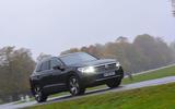 Volkswagen Touareg 2019 long-term review - driving through the park front