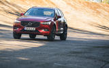 23 Volvo XC60 Recharge 2021 LT driving