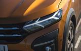 4 Dacia Sandero Stepway 2021 LT headlights
