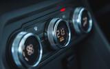 8 Dacia Sandero Stepway 2021 LT climate controls