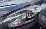 Kia Carens xenon headlights