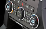 Land Rover Discovery climate control