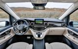 Mercedes V250 BlueTec dashboard