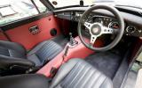 MG LE50 interior
