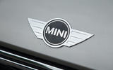 Mini bonnet badge