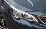 Peugeot 5008 headlights