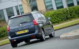 Peugeot 5008 rear cornering