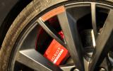 Peugeot 208 GTi red calipers