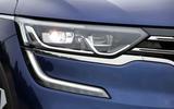 Renault Koleos C-Shaped day running lights