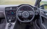 4: Volkswagen Golf R: dashboard