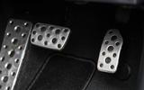 Subaru XV 2.0i Lineartronic SE Premium pedals