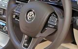 Volkswagen Touareg steering wheel controls