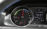 Volkswagen Golf GTE rev counter