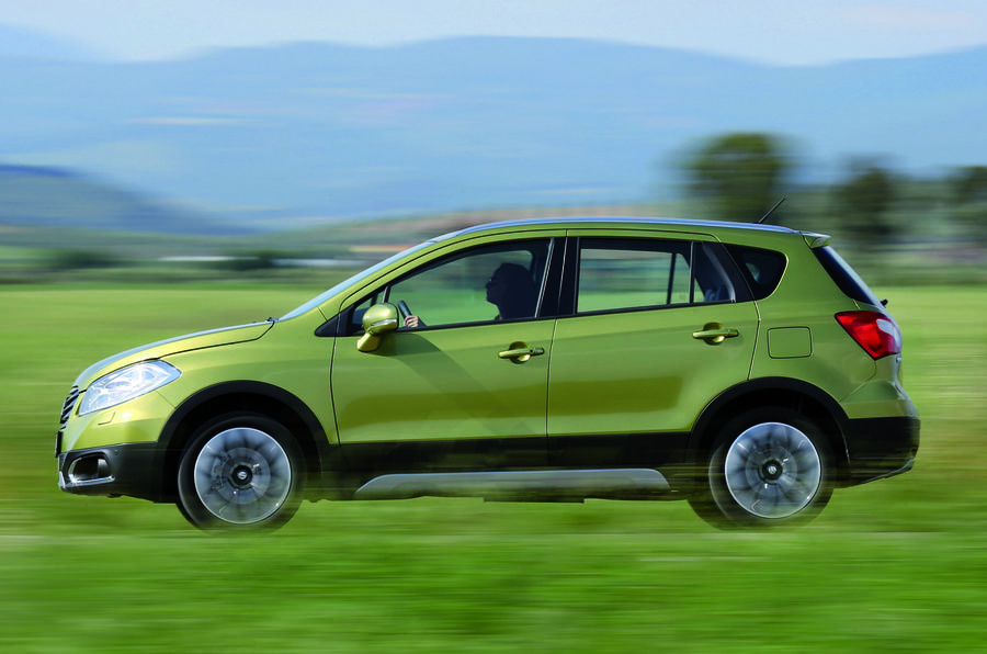 Suzuki SX4 S-Cross side profile