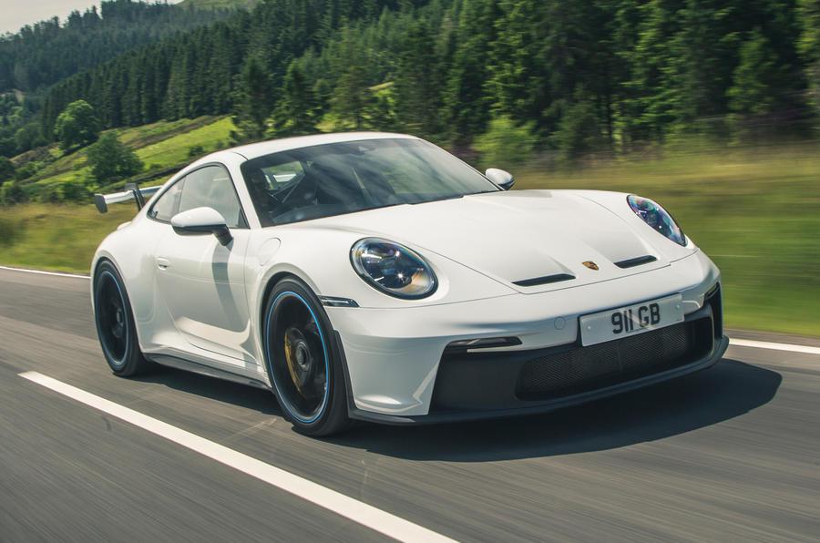 1 Porsche 911 GT3 2021 RT hero avant