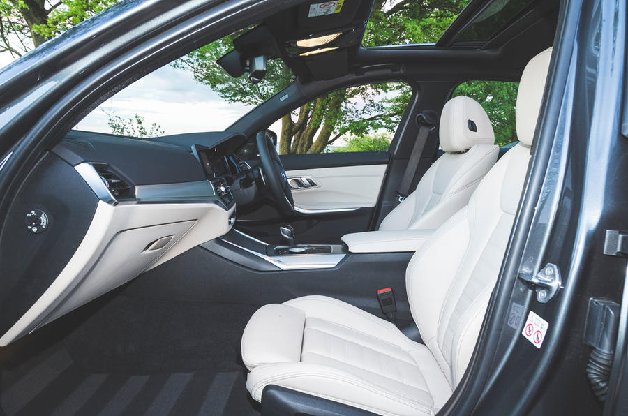 BMW 3 Series 320d 2019 Road Test review - cabin