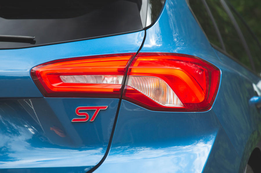 Ford Focus ST 2019 road test - rear lights