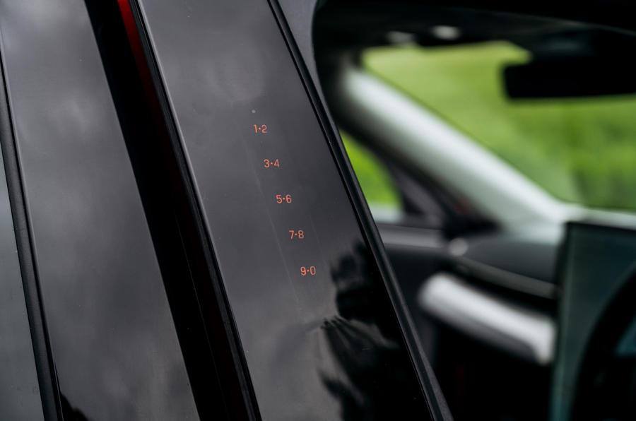 10 Ford Mustang Mach e 2021 RT valet de chambre