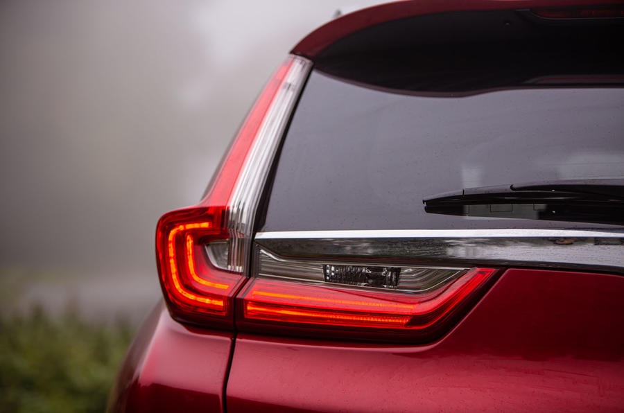 Honda CR-V 2018 road test review - rear lights