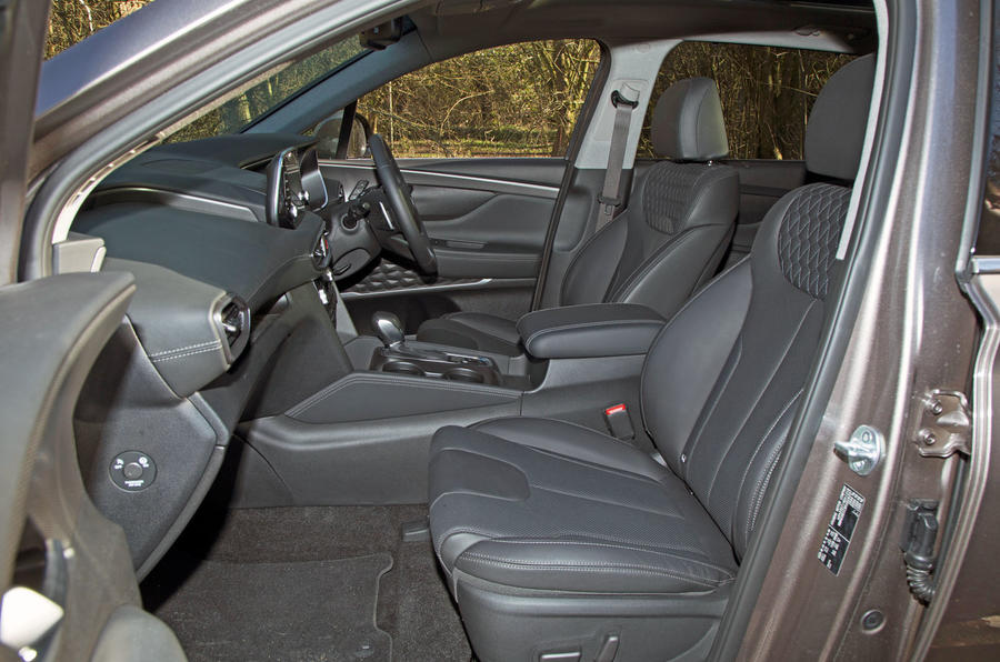 Hyundai Santa Fe 2019 road test review - front seats