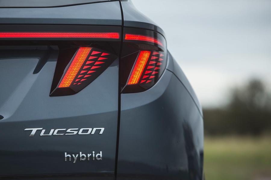 10 Hyundai Tucson 2021 : essai routier - feux arrière