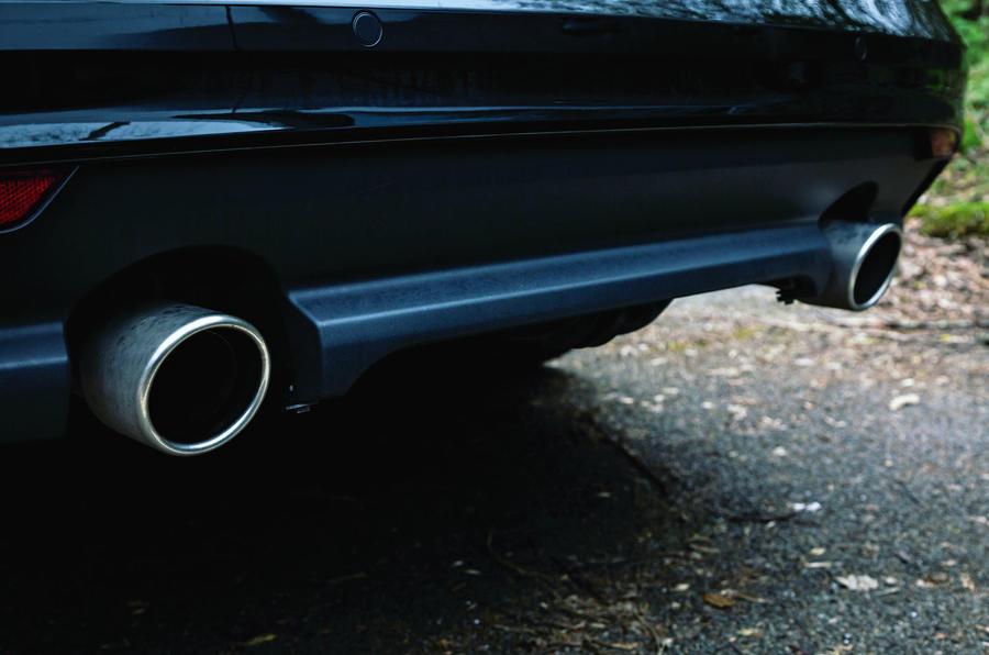 Jaguar XF Sportbrake 2019 road test review - exhausts