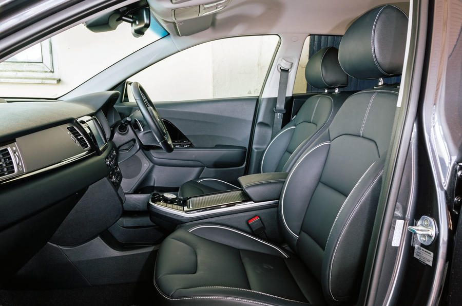 Kia e-Niro 2019 road test review - front seats