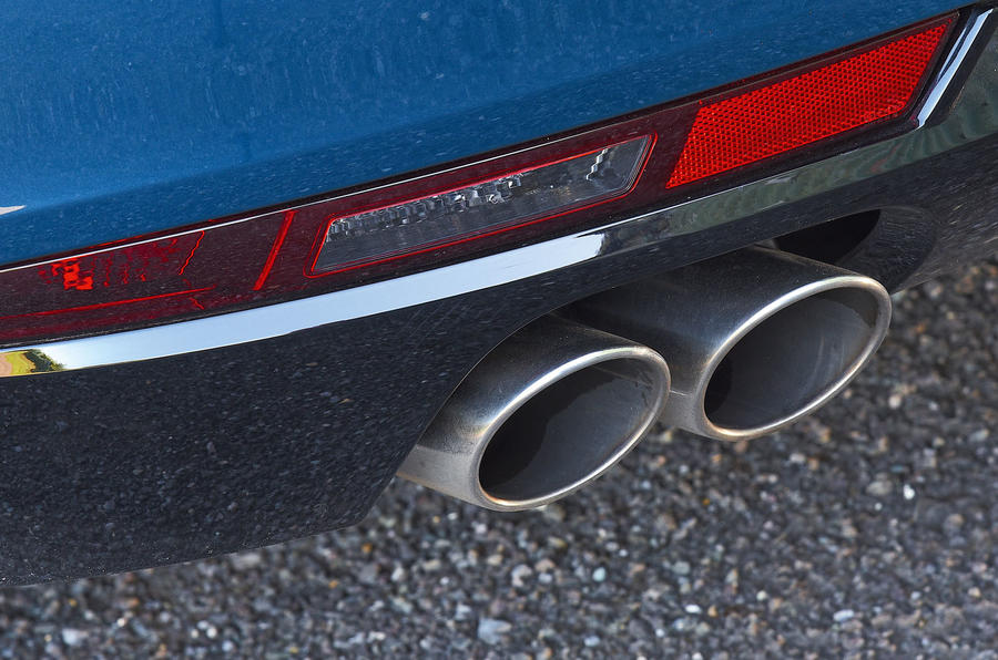 Peugeot 508 2018 road test review - exhaust
