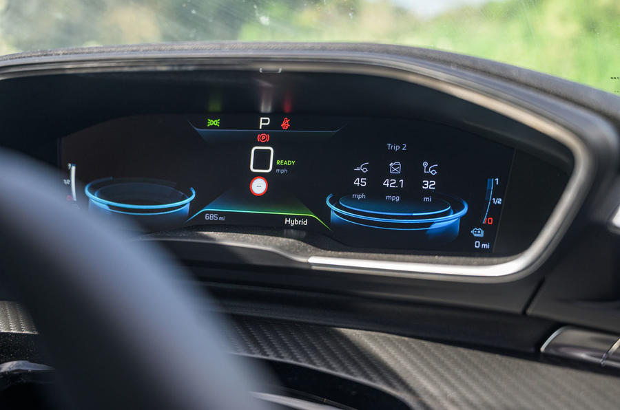 Peugeot 508 SW Hybrid 2020 road test review - instruments