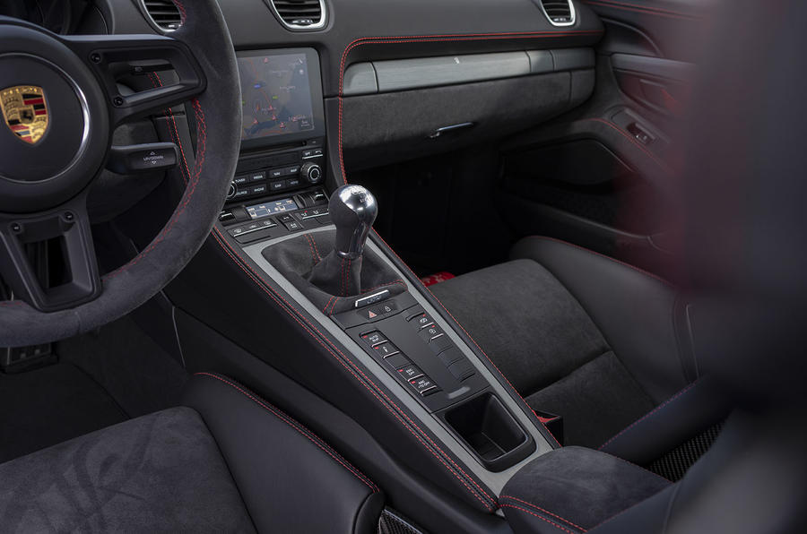 Porsche 718 Cayman GT4 2019 road test review - centre console