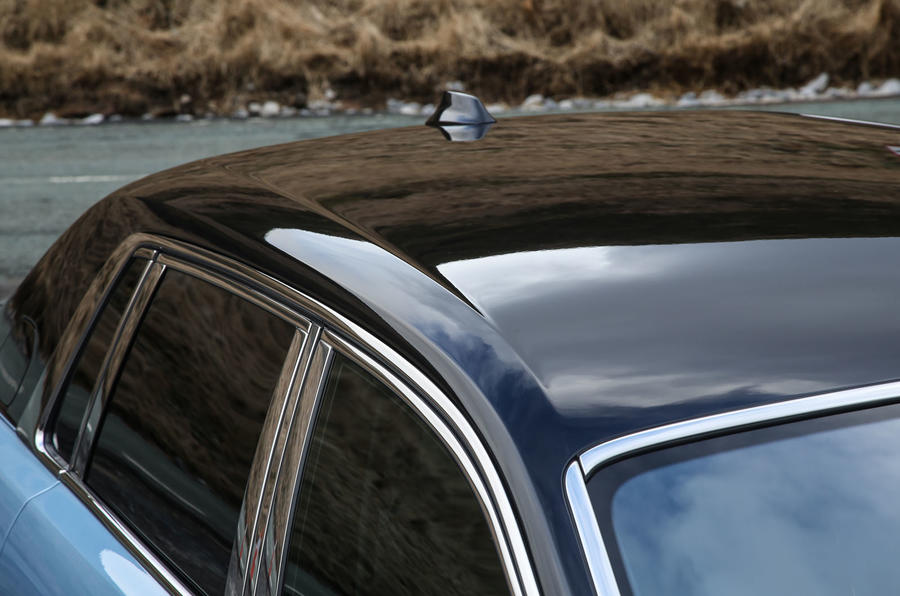 Rolls Royce Phantom 2018 review roof