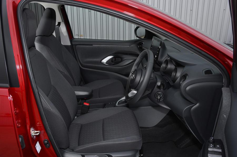 Examen de l'essai routier de la Toyota Yaris 2020 - cabine