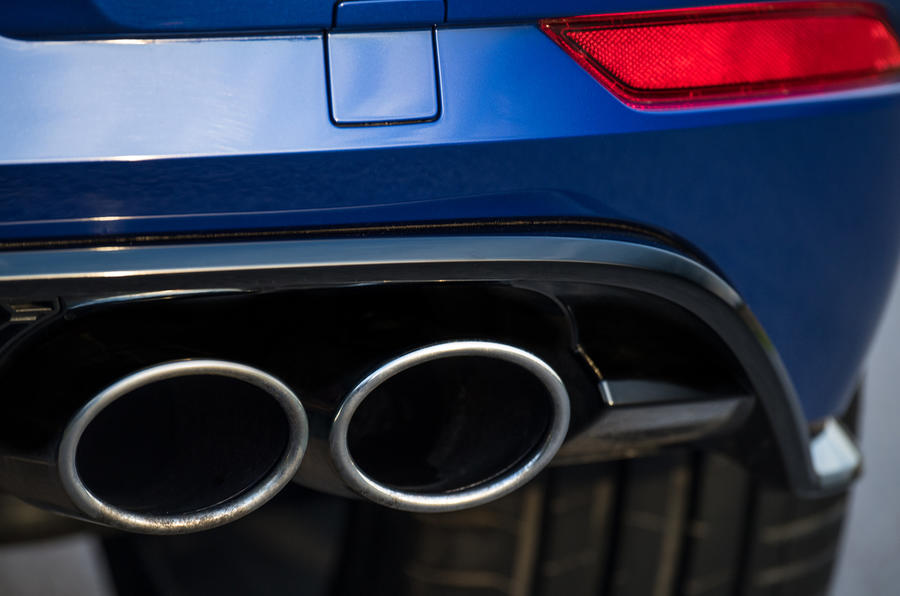 Volkswagen Golf R 2019 road test review - exhausts