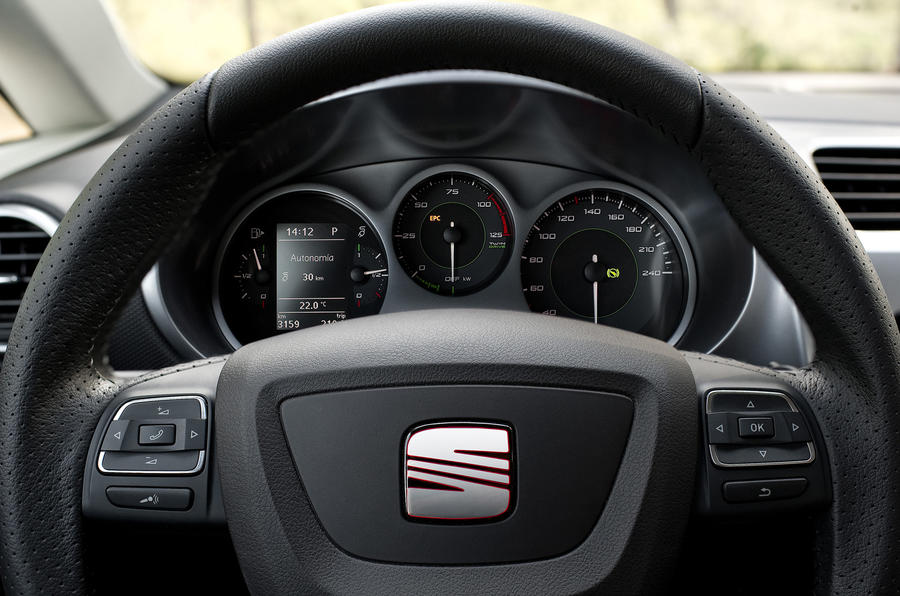 Seat Leon TwinDrive instrument cluster