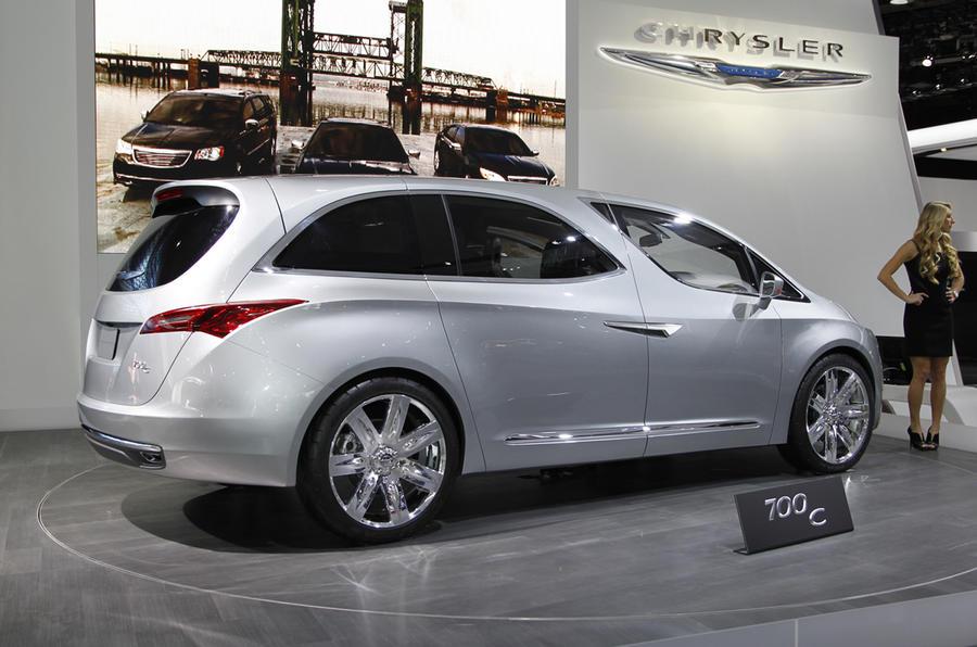 Detroit show: Chrysler 700c