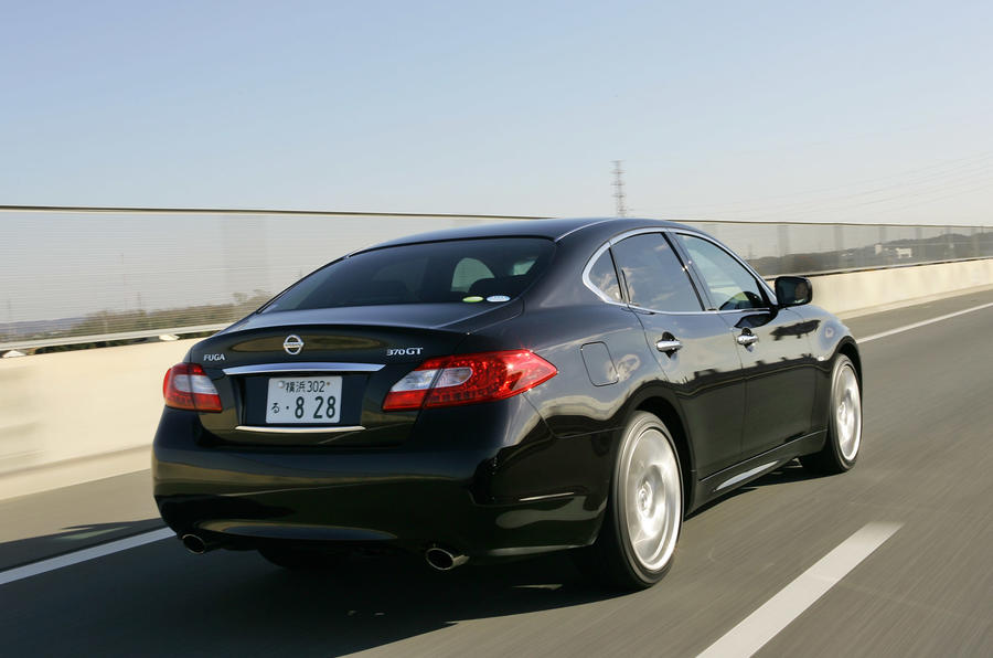 Nissan Fuga 370GT Type S rear