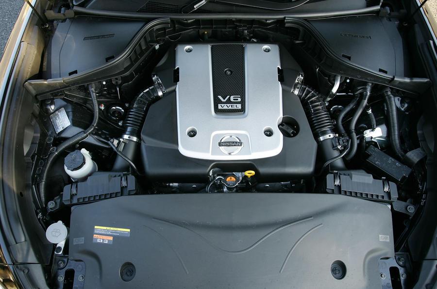 3.7-litre V6 Nissan Fuga 370GT Type S engine