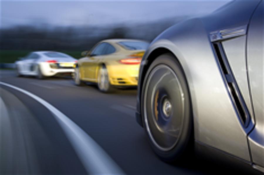 GT-R v 911 Turbo v R8 V10
