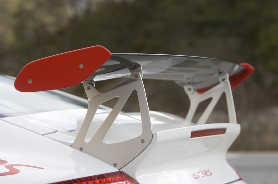 Porsche 911 GT3 RS rear wing
