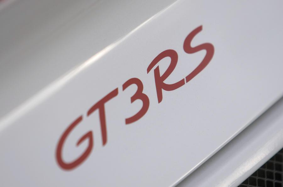 Porsche 911 GT3 RS badging