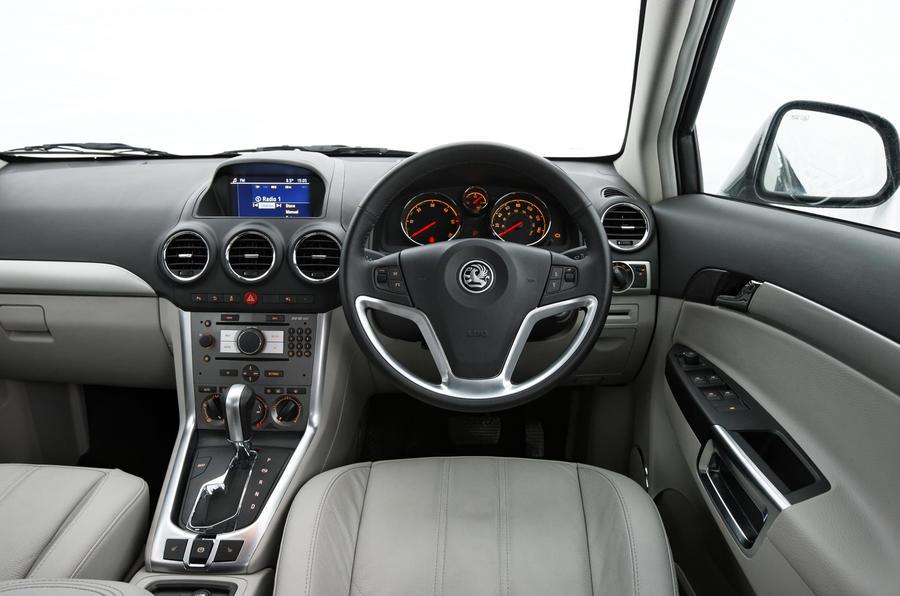 Vauxhall Antara dashboard