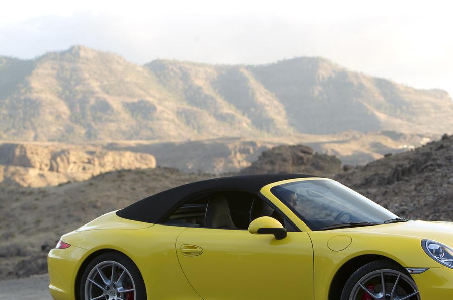 Porsche 911 Carrera S Cabriolet roof-up