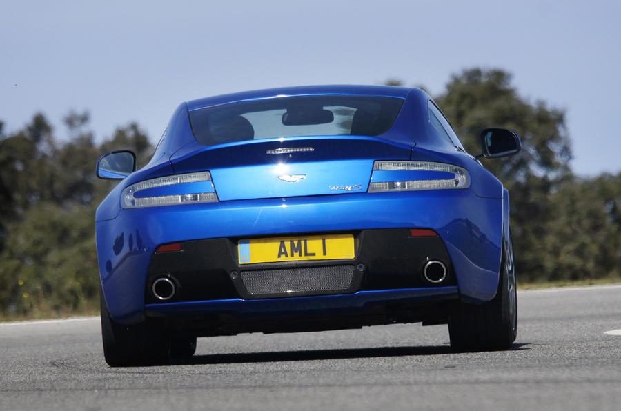 Aston Martin V8 Vantage S rear cornering