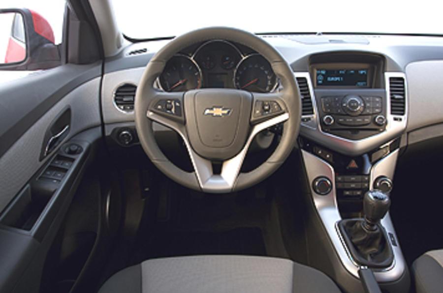 Chevrolet Cruze 1.8 LT