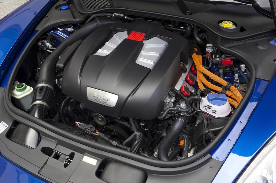 3.0-litre V6 Porsche Panamera S E-Hybrid engine