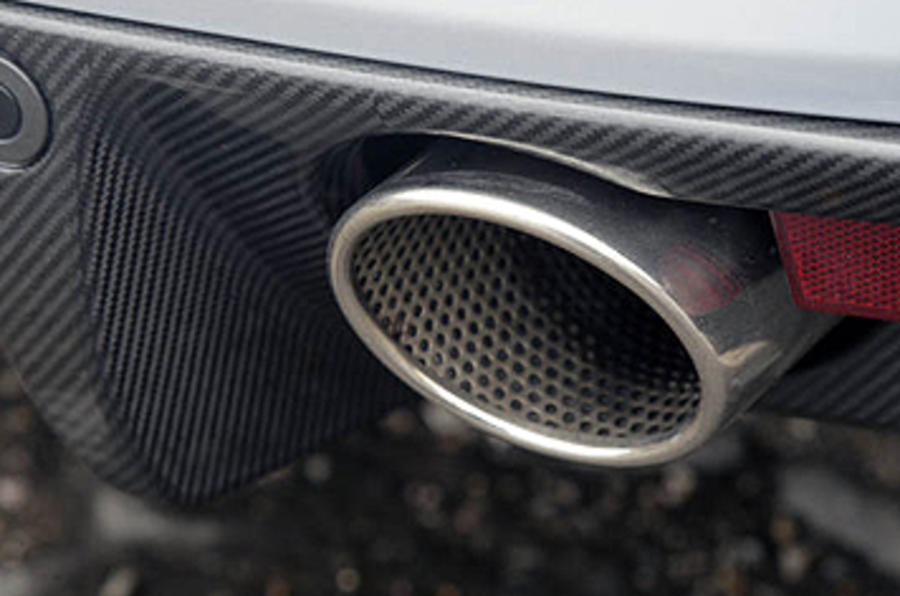 Aston Martin DBS dual-exhaust system