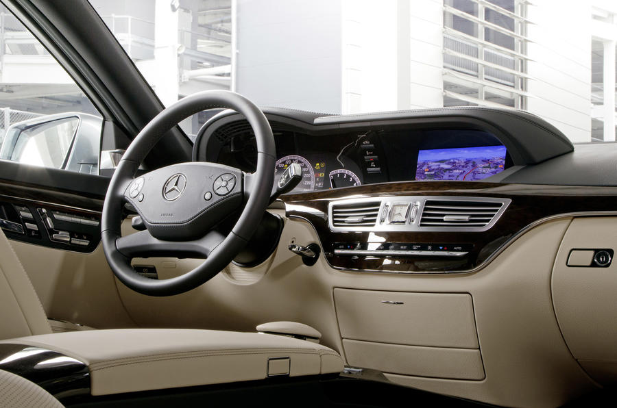 Mercedes-Benz S 350 interior