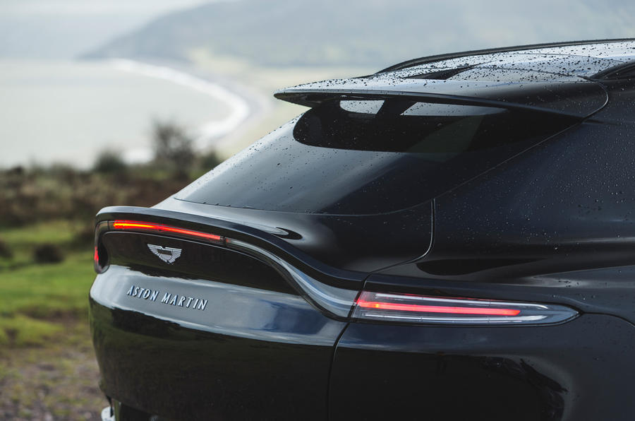 Examen de l'essai routier de l'Aston Martin DBX 2020 - bootlid