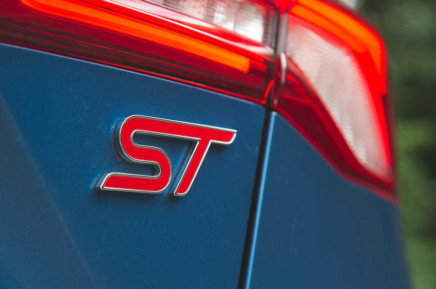 Ford Focus ST 2019 road test - rear badge